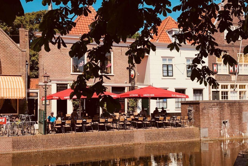 Het terras van Café Spaarndam