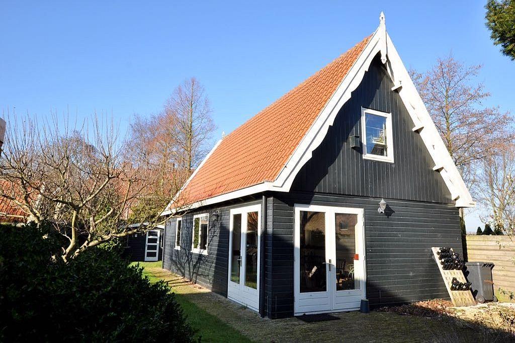 Het atelier in de tuin achter Café Spaarndam